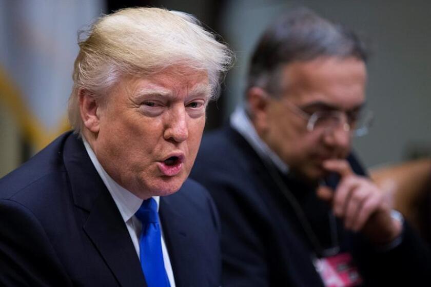 El presidente, Donald Trump, firmó hoy una orden ejecutiva para reducir drásticamente las regulaciones burocráticas del Gobierno federal, con la que establece que, por cada nueva regla impuesta, se eliminarán otras dos. EFE/ARCHIVO