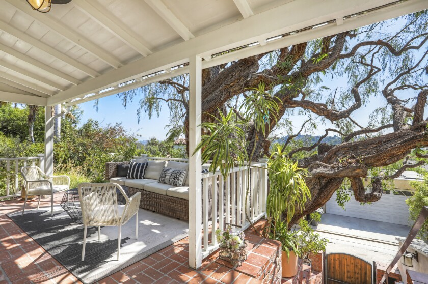 Newlywed actress Bridgit Mendler sells her single days house in Silver Lake