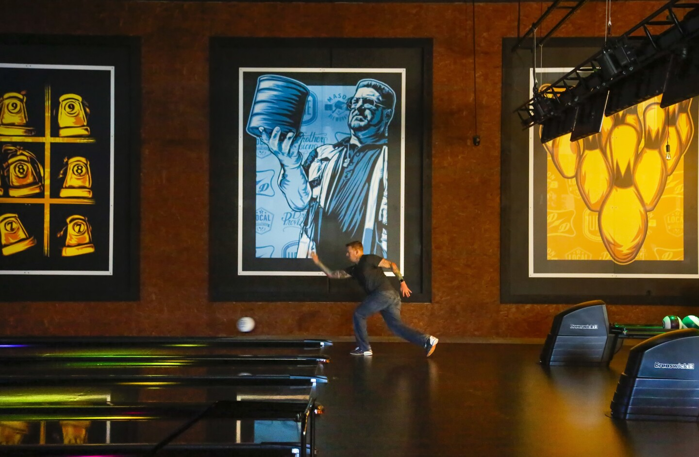 SAN MARCOS, CA: April 12, 2017 | Dan Cooper bowls at the 8-lane bowling alley inside the new Urge Gastropub and Common House near Cal State University San Marcos that features 21,000-square-feet of space which houses a Mason Ale Works brewery, restaurant, three bars and a large patio with bocce ball courts, and oversize table games. | Photo by Howard Lipin/San Diego Union-Tribune/Mandatory Credit: HOWARD LIPIN SAN DIEGO UNION-TRIBUNE/ZUMA PRESS