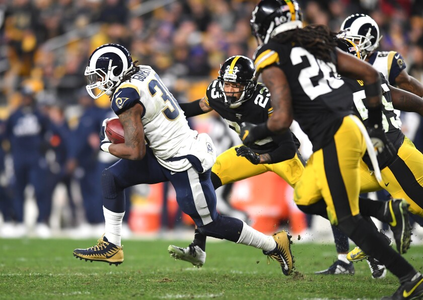Why didn't the Rams' Todd Gurley touch the ball in fourth quarter against Steelers?