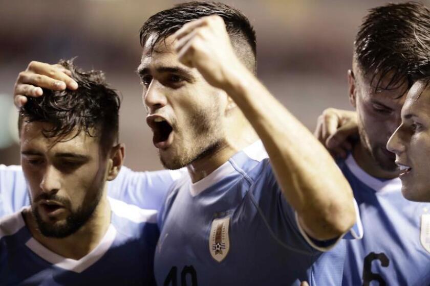 1-2. Uruguay vence a Costa Rica con un gol de último minuto de Rodríguez