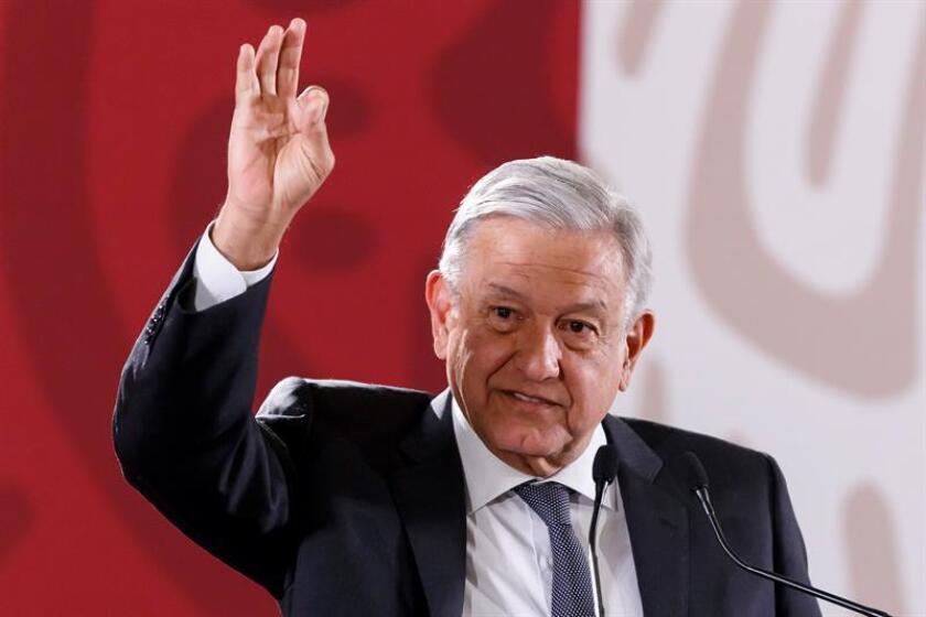 El Presidente de México, Andrés Manuel López Obrador, habla en rueda de prensa este jueves, en Palacio Nacional, en Ciudad de México (México). EFE
