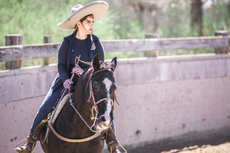 Escaramuzas, mujeres a caballo