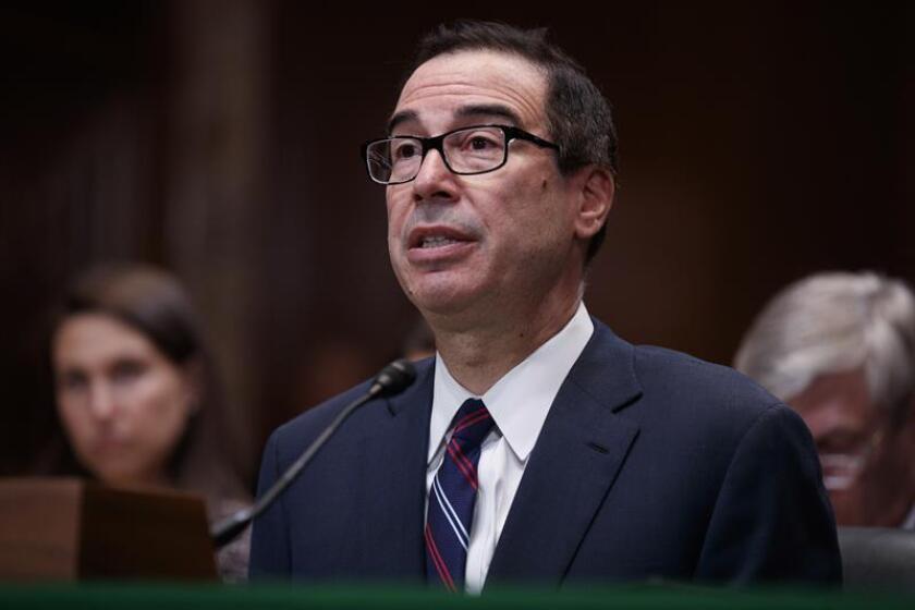 El secretario del Tesoro de Estados Unidos, Steven Mnuchin, comparece ante el Comité de Apropiaciones del Senado en el Capitolio, en Washington DC, Estados Unidos, el 22 de mayo de 2018. EFE/Archivo