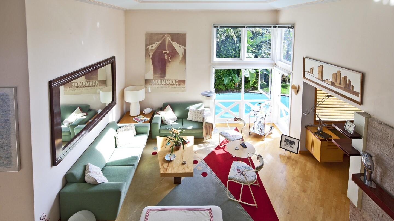 Hot Property   Martin & Sandy Davidson