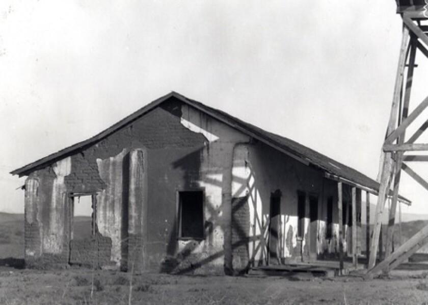 Osuna c. 1925 (1).jpg