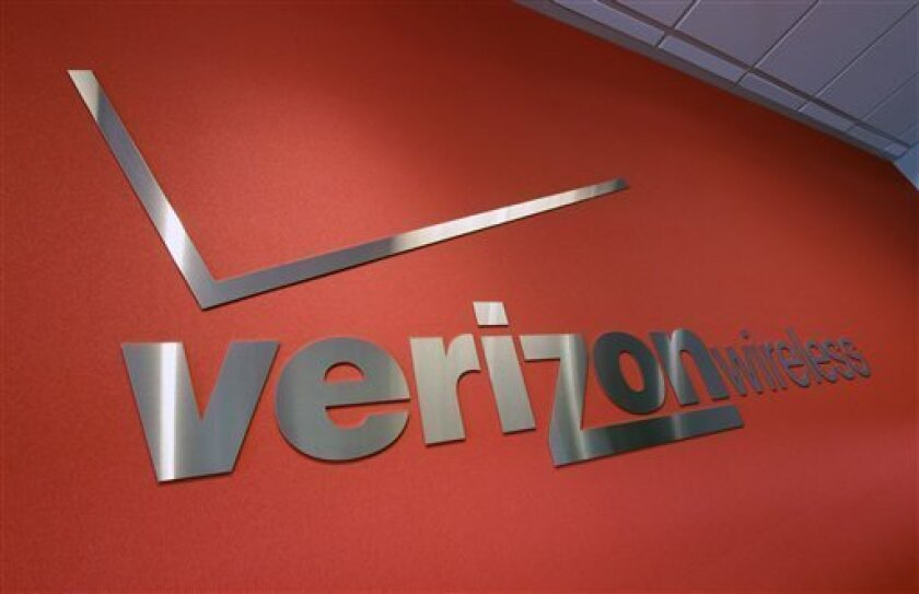 Verizon and AT&T agreed to settle a lawsuit alleging they overcharged government customers in California.