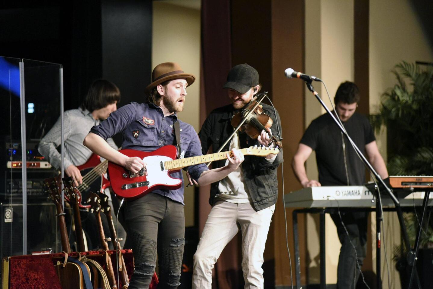 Community Concerts of RSF hosts The Abrams