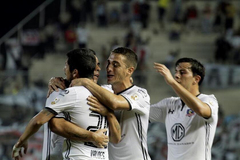 En la imagen, un registro de otra celebración de los jugadores de Colo Colo. EFE/Arhivo