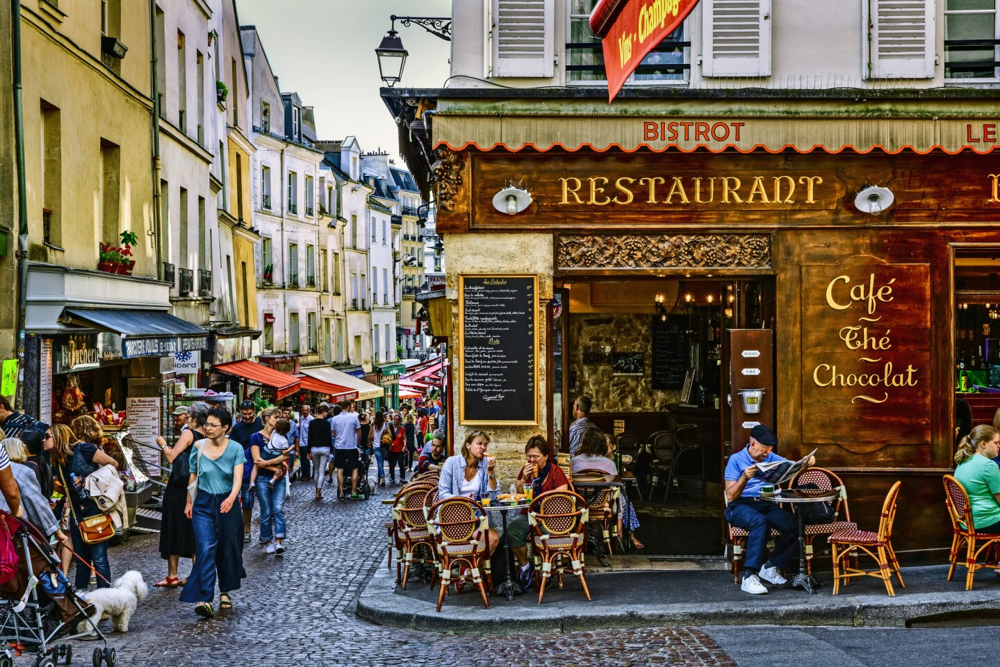 An expat's guide to being an American in Paris
