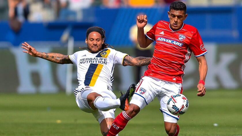 Jermaine Jones, Cristian Colman