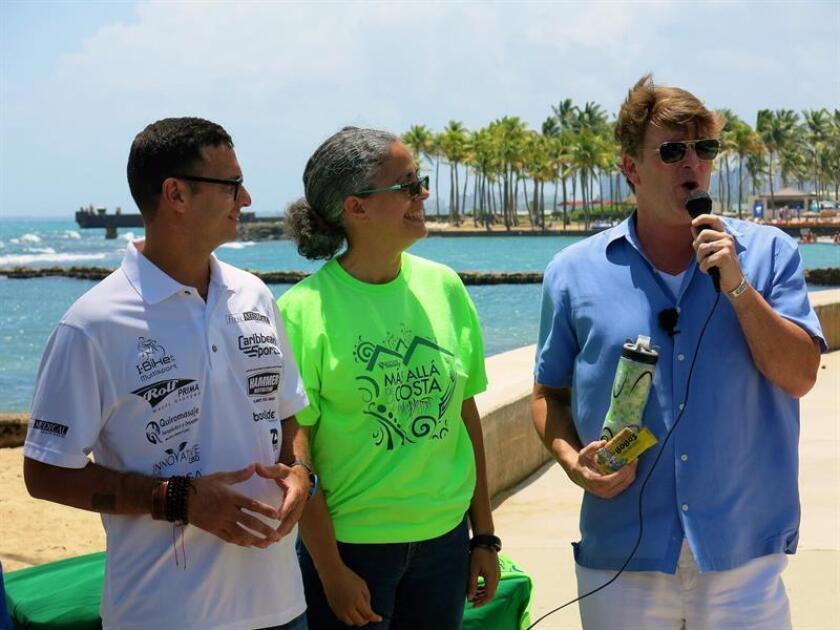 La directora ejecutiva de la organización puertorriqueña Scuba Dogs Society, Silmarie Sánchez, en San Juan, Puerto Rico. EFE/Archivo