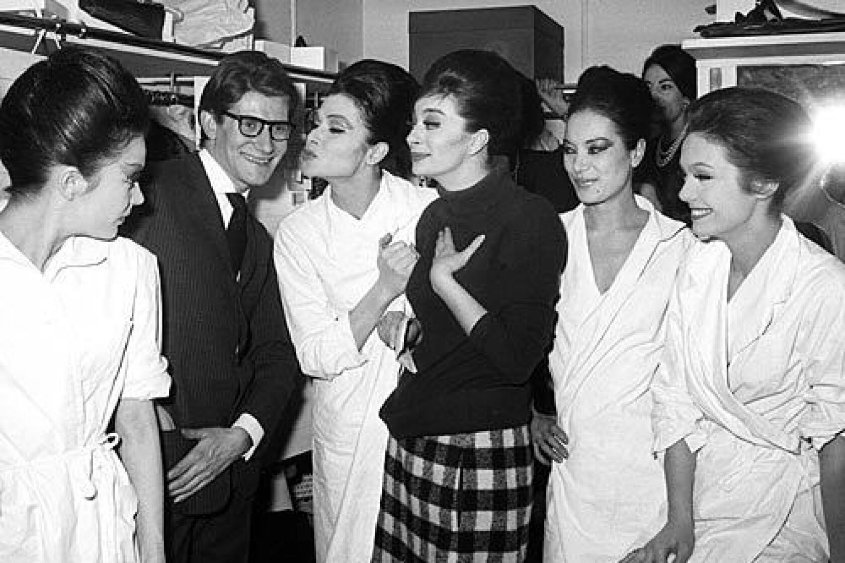Yves Saint Laurent 71 Icon Of French Fashion Design Los Angeles Times
