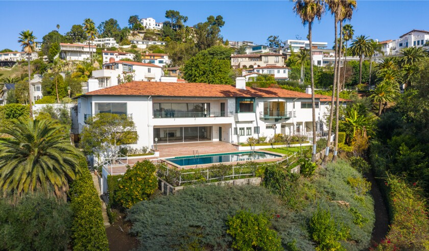 The home of the late actress-director Penny Marshall is set on more than an acre.