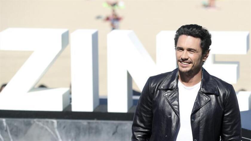 """El realizador, James Franco, posa tras presentar su película """"The disaster artist"""". EFE/Archivo"""