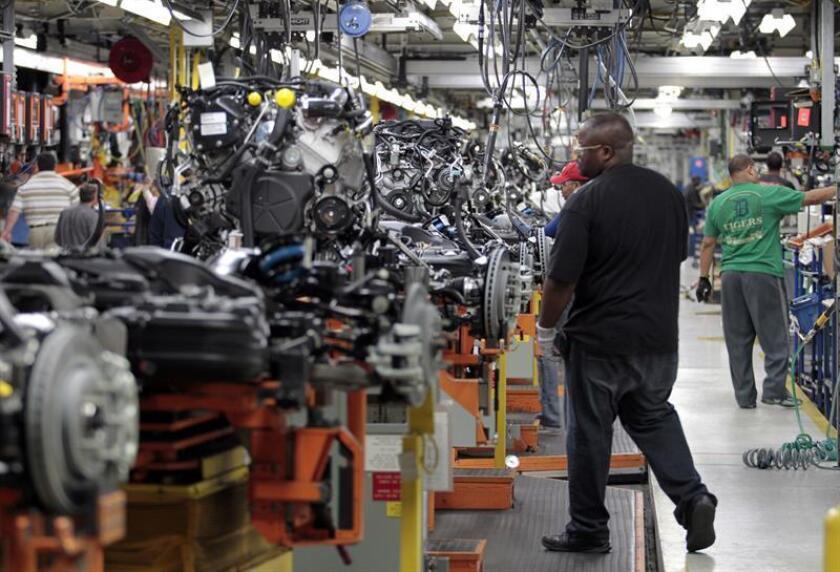 Vista de un área de la fábrica de ensamblaje de Jefferson North de Chrysler en Detroit, Michigan (EEUU). EFE/Archivo