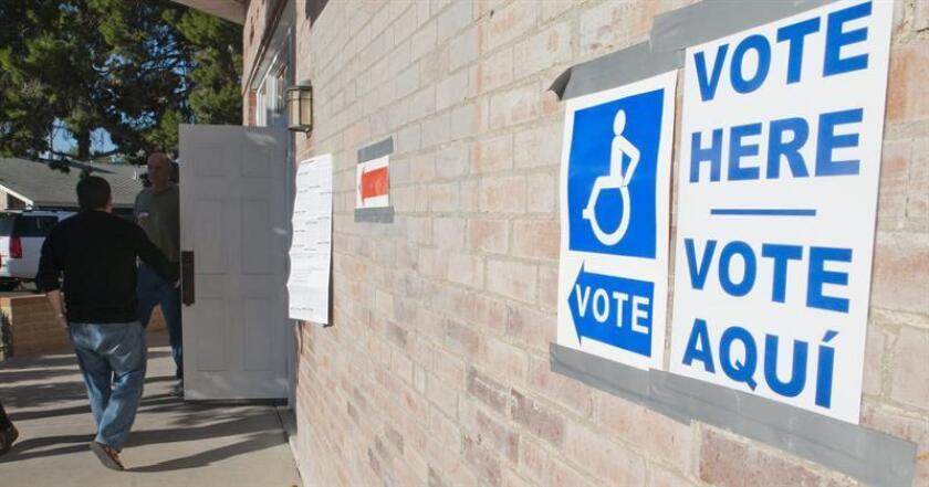 La Liga de Ciudadanos Latinoamericanos Unidos (Lulac) interpuso hoy una demanda contra altos funcionarios texanos para proteger los derechos de 95.000 votantes que han sido acusados de no ser ciudadanos. EFE/Archivo