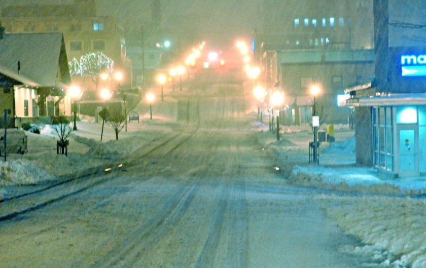 Wintry blast hits Michigan's Upper Peninsula