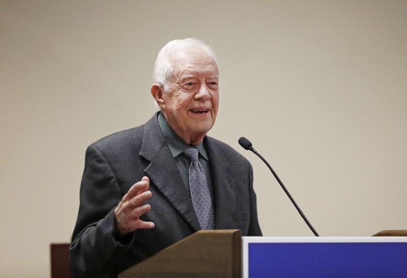 """El expresidente Jimmy Carter habla durante una conferencia bautista en Atlanta, el jueves 15 de septiembre del 2016. Jimmy Carter dijo el jueves que Estados Unidos está experimentando un """"resurgimiento de racismo"""" y pidió a líderes bautistas que incentiven cambios en sus iglesias y comunidades. (AP Foto/David Goldman)"""