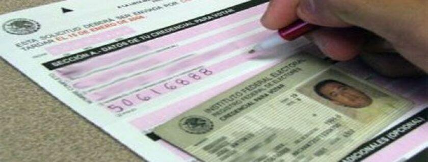 El Instituto Nacional Electoral ha empezado el proceso de entrega de credenciales para votar en México en los consulados de ese país en Estados Unidos.