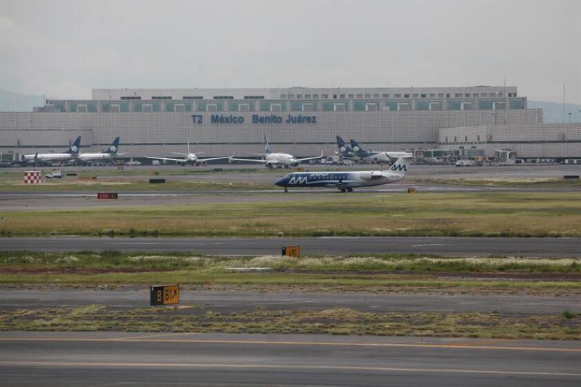 El Grupo IAMSA, considerado el conglomerado más grande de transporte en México, adquirió el total de la participación accionaria de Irelandia Aviation en la mexicana Viva Aerobús, anunció hoy esta aerolínea. EFE/ARCHIVO