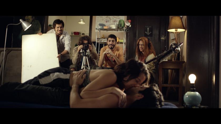 """Una escena de """"Como en el cine"""", la cinta sudamericana que se exhibe este sábado al cierre de un evento especial de la Academia de Artes y Ciencias Cinematográficas."""