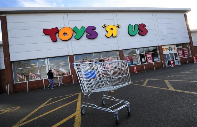 La cadena de jugueterías Toys 'R' Us va a cerrar 182 tiendas en Estados Unidos como parte de su plan de reestructuración, después de haberse declarado en bancarrota el pasado septiembre. EFE/EPA/ARCHIVO