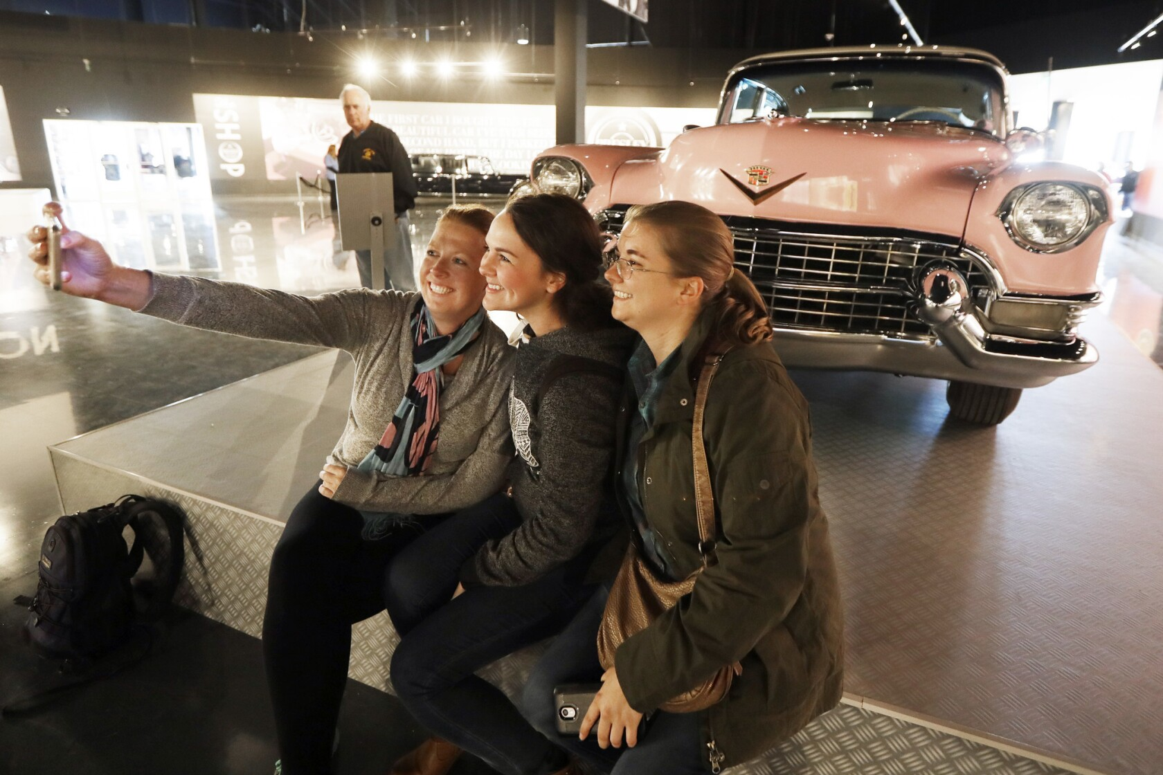 Cadillac Of Memphis >> At Elvis Presley S Memphis You Can Snap A Selfie With The