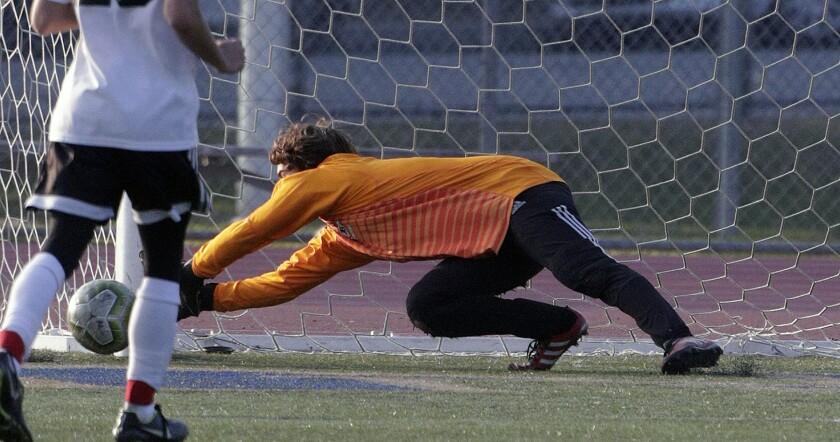 tn-blr-sp-burroughs-muir-soccer-20200114-14.jpg