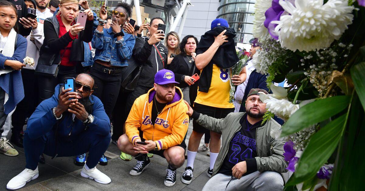 Grammys, Κόμπι Μπράιαντ πενθούντες συγκρούονται στο Staples Center σε ένα μόνο-στην-Λ. Α σκηνή