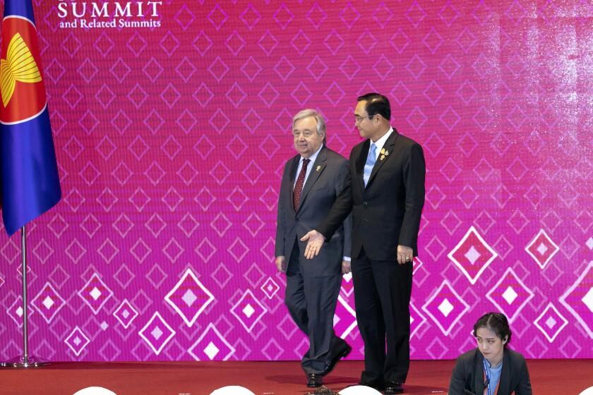Thailand's Prime Minister Prayuth Chan-ocha, right welcomes U.N. Secretary General Antonio Guterres during ASEAN-U.N. summit in Nonthaburi, Thailand, Sunday, Nov. 3, 2019. (AP Photo/Wason Wanichakorn)