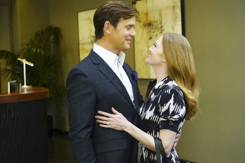 """Benjamin Jones (Peter Krause) and Alice Vaughan (Mireille Enos) are the main characters in """"The Catc"""