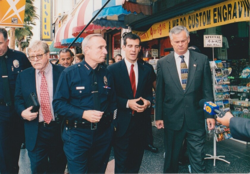 Bill Bratton, second from left, with George Kelling, left, Eric Garcetti and Jim Hahn.
