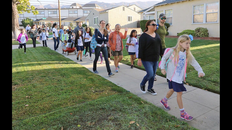 Photo Gallery: Burbank Walk or Ride A Bike To School Day