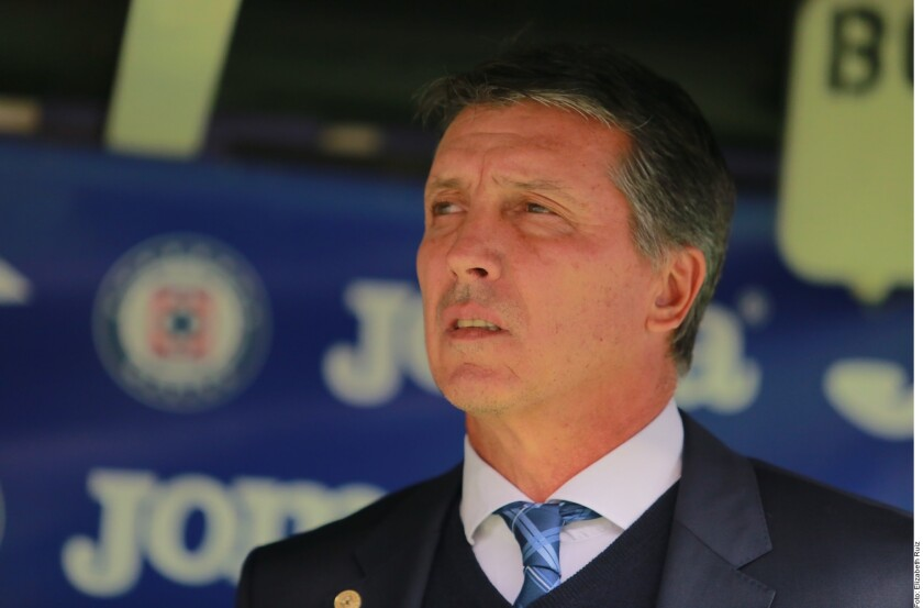 Robert Dante Siboldi, técnico de Cruz Azul.