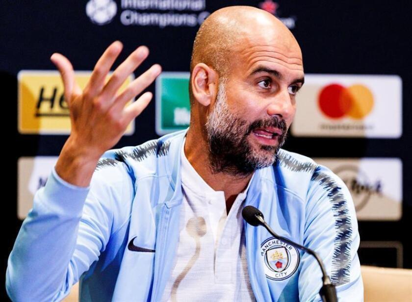 El entrenador del Manchester City, Pep Guardiola, participa en una rueda de prensa en Nueva York (Estados Unidos) hoy, 24 de julio del 2018, con motivo del encuentro del torneo International Champions Cup entre el Manchester City y el Liverpool que se disputará mañana miércoles en Nueva York. EFE