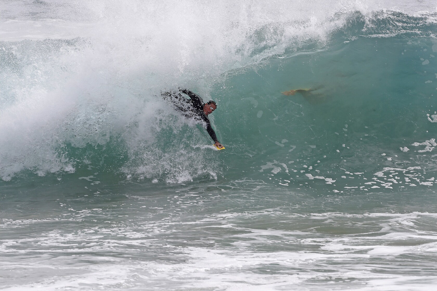 O C Gets Big Waves Then Maybe Some Rain Los Angeles Times