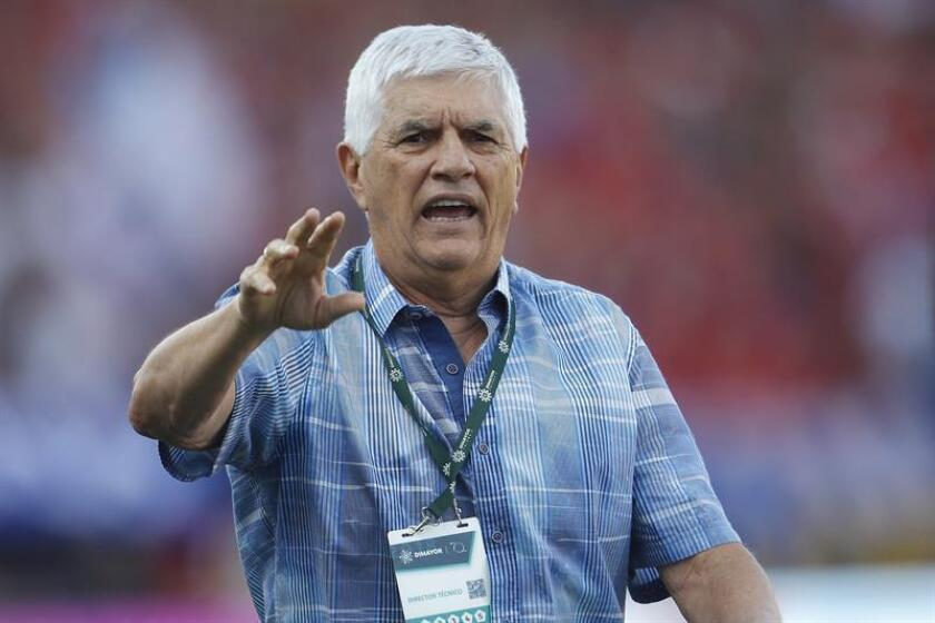 Julio Comesaña, director técnico de Junior de Barranquilla. EFE/Archivo
