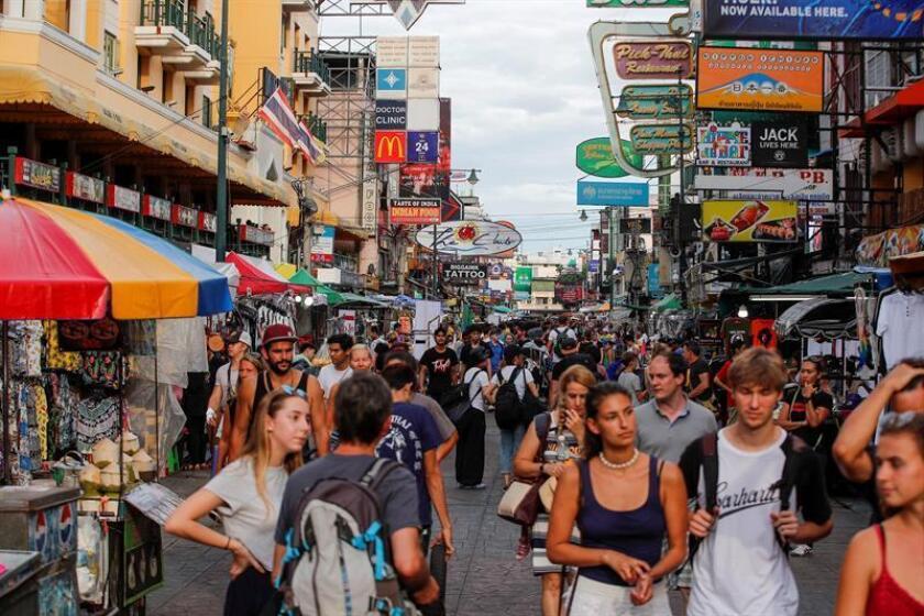 La meca de los mochileros de Bangkok que Tailandia quiere adecentar