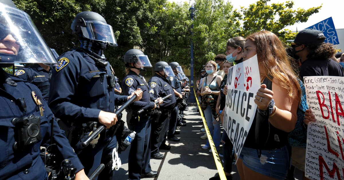 San Diego mayor proposes greater scrutiny on police use of military weapons