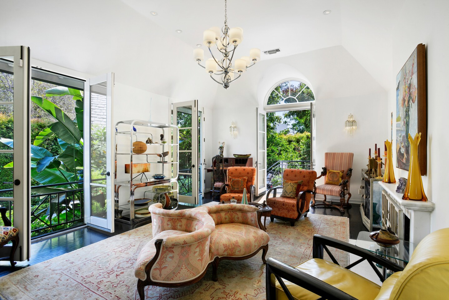 Celebrity-pedigreed home in the Hollywood Hills | Hot Property