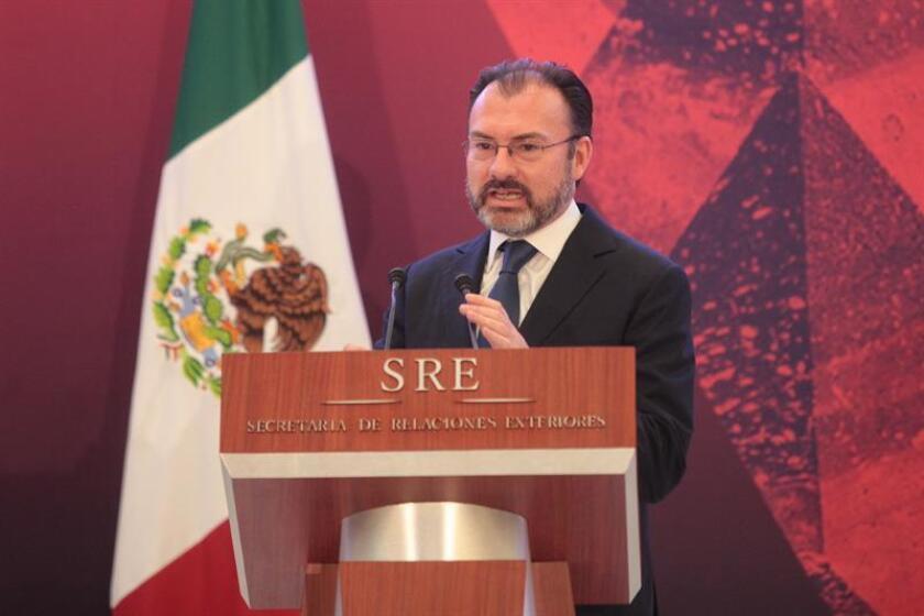 Luis Videgaray, secretario de Relaciones Exteriores, habla el 9 de enero de 2017, durante la inauguración de la XXVIII reunión de embajadores y cónsules en la Cancillería en Ciudad de México. EFE