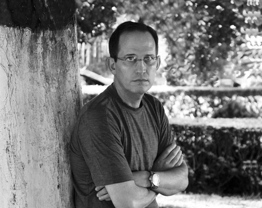 """El escritor mexicano Pedro Ángel Palou, que acaba de ver reeditada en Estados Unidos una novela que escribió hace 27 años cuando estaba ilusionado con la revolución sandinista, afirma que nunca hubiera imaginado el """"desencanto absoluto"""" que vendría. EFE/ARCHIVO"""