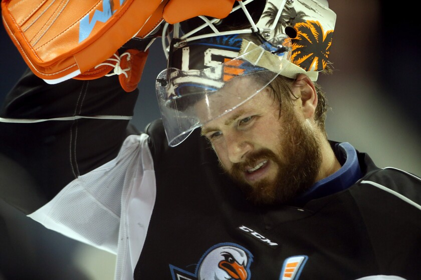 A year after finally reaching the NHL, 33-year-old goalie Jeff Glass seeks a path back with Gulls.