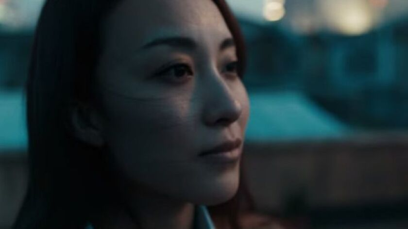 """""""En la cultura china, respetar a los padres es la cualidad más importante. Y no casarse es como el mayor signo de falta de respeto"""", afirma otra joven que, esta sí, rompió en llanto."""