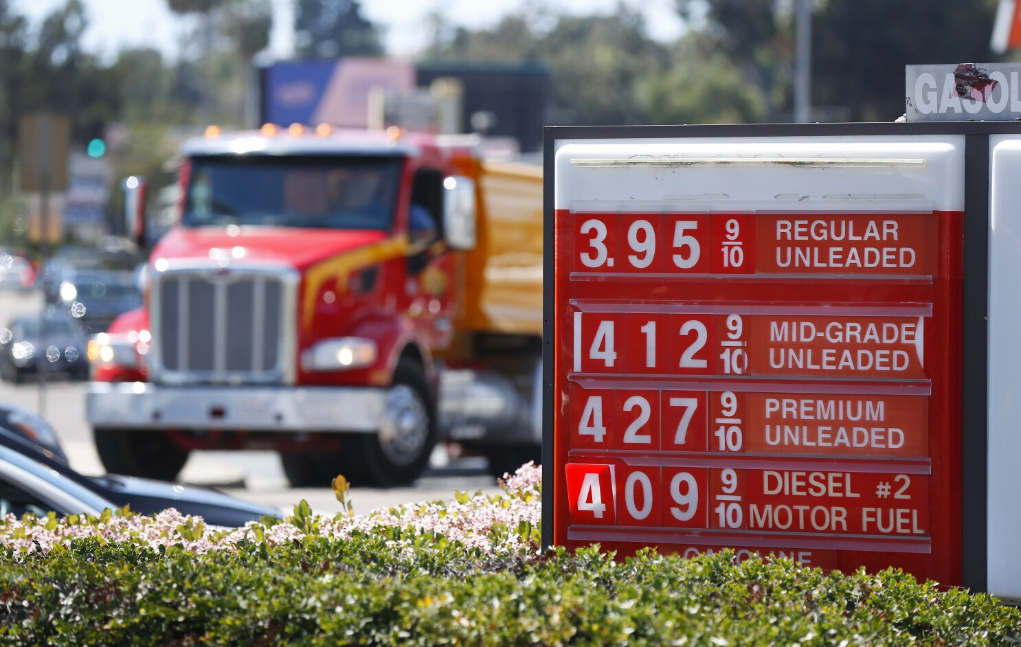 Gas Prices San Diego >> Gasoline Prices In San Diego Spike To Near 4 A Gallon The San