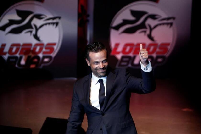 """El Lobos BUAP, décimo de la clasificación con 20 unidades, aspira a llegar a 23 puntos para calificar de """"bueno"""" el Apertura mexicano, dijo hoy su técnico, el mexicano Rafael Puente. EFE/ARCHIVO"""