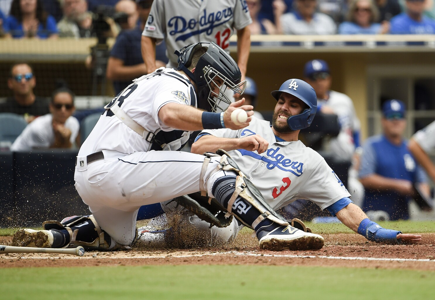 Column: Large gap between Padres, Dodgers more complex than money