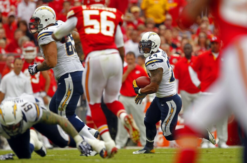 Chargers Ryan Mathews against the Chiefs in the 1st quarter on Sunday, Sept. 30, 2012.