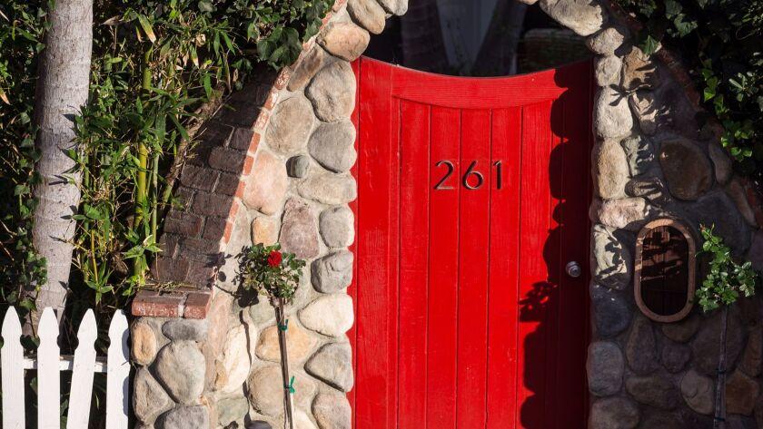 The alluring red door of Laguna.